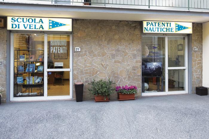 La sede della Scuola Nautica CB Saling in Via San Gervasio a Firenze